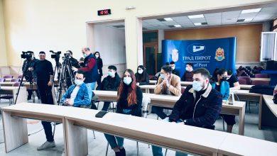 Photo of Podeljene gradske stipendije studentima. Od 2012. godine 165 studenata dobilo je gradske stupendije, a 1280 visokoškolaca jednokratnu novčanu pomoć