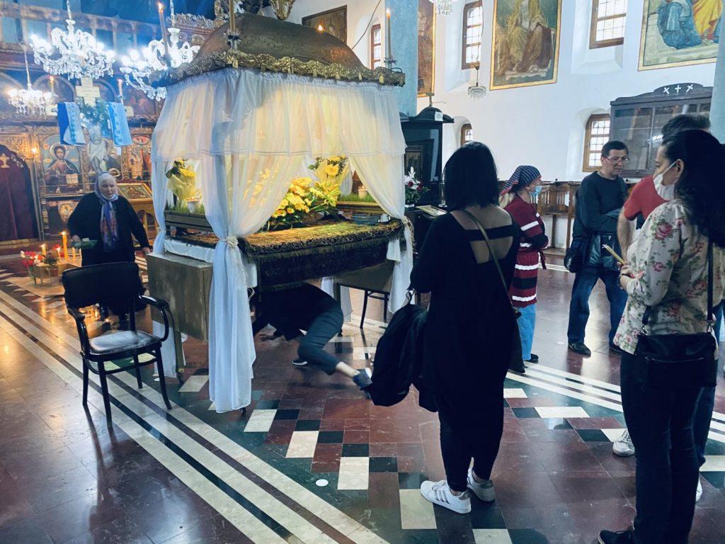 tradicionalni običaj proviranje u pirotskom hramu