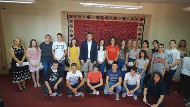 Photo of Novčane nagrade najuspešnijim učenicima pirotskih škola na republičkim takmičenjima