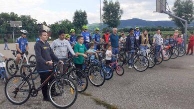 Photo of Podeljeno 10 bicikala i 150 lopti deci slabijeg materijalnog stanja