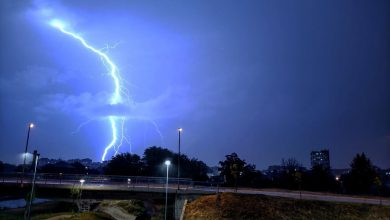 Photo of Munje iznad Pirota. Nevreme i zahlađenje stiglo i u naše krajeve (FOTO)