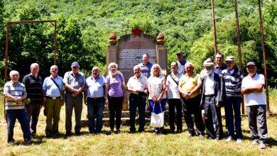 Photo of Obeležen Dan ustanka kod spomenika na brdu Padež