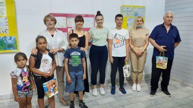 Photo of Otvorena izložba likovnih radova učenika – Podignimo svest za čistiji svet