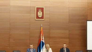 Photo of Muzičkoj i Tehničkoj školi u Pirotu uručeni ugovori o dodeli sredstava za unapređenje nastave