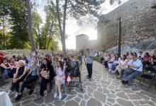 Photo of Promocija knjige Brankice Damjanović izazvala ogromno interesovanje ljubitelja pisane reči u Pirotu