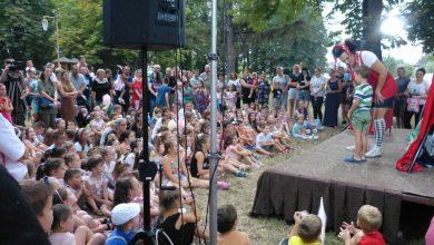 """Photo of Druge večeri zaredom """"Kofer teatar"""" priredio pirotskoj deci nezaboravno druženje"""