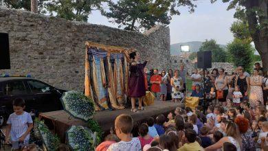 """Photo of """"Uspavana lepotica i maskirani princ"""" osvojili najmlađu pozorišnu publiku u Pirotu"""