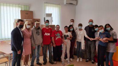 Photo of Kompanija JYSK donirala Udruženju za pomoć mentalno nedovoljno razvijenim licima u Pirotu nameštaj za opremanje dnevnog boravka